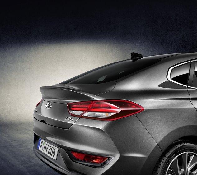 0x0-2018-hyundai-i30-fastback-1500379528577.jpg