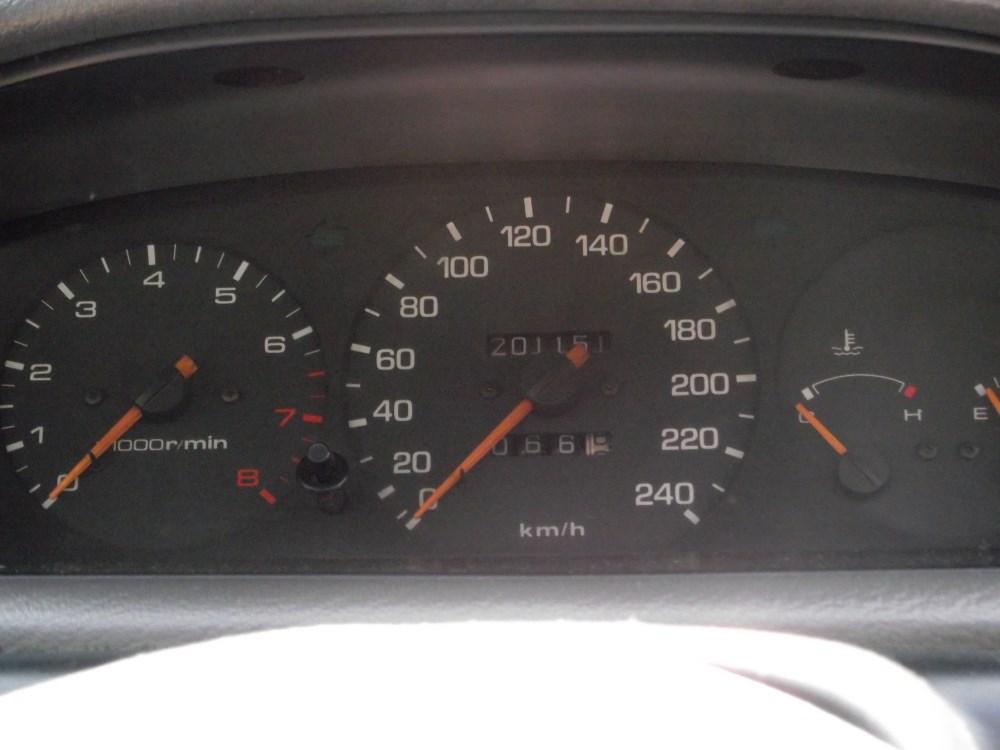 Mazda 5 (1000 x 750).jpg