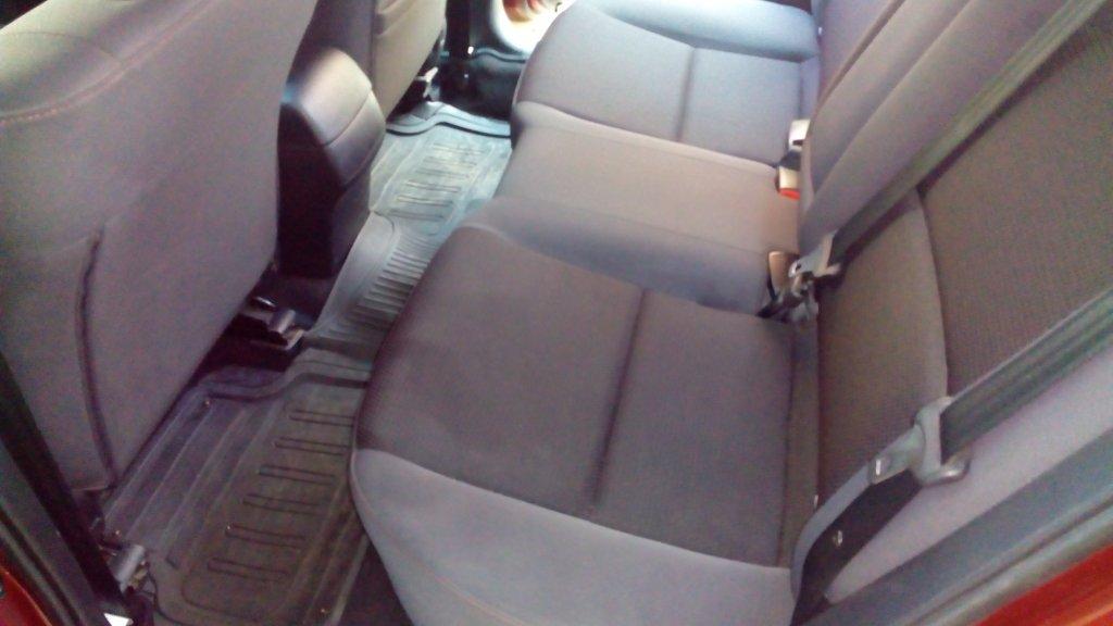 Temizlik sonrası arka koltuklar 1.jpg